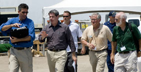 HSUS Oil Spill Assessment Team and Senator David Vitter of Louisiana