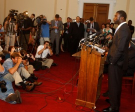 Michael Vick speaking in favor of proposed law to crack down on animal fighting spectators